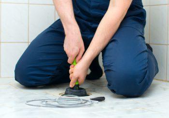 Häufig Rohrverstopfung » Diese Kosten fallen für die Reinigung an GZ86