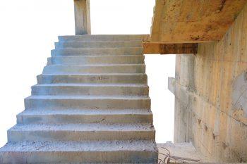 holztreppe neu preis stauraum unter der treppe optimal nutzen preisbeispiele u2013. Black Bedroom Furniture Sets. Home Design Ideas