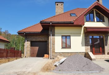 Mehrfamilienhaus als Fertighaus » Preise, Kostenfaktoren und mehr