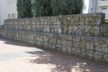 Steinmauer » Preisbeispiele, Kostenfaktoren, Sparmöglichkeiten und mehr