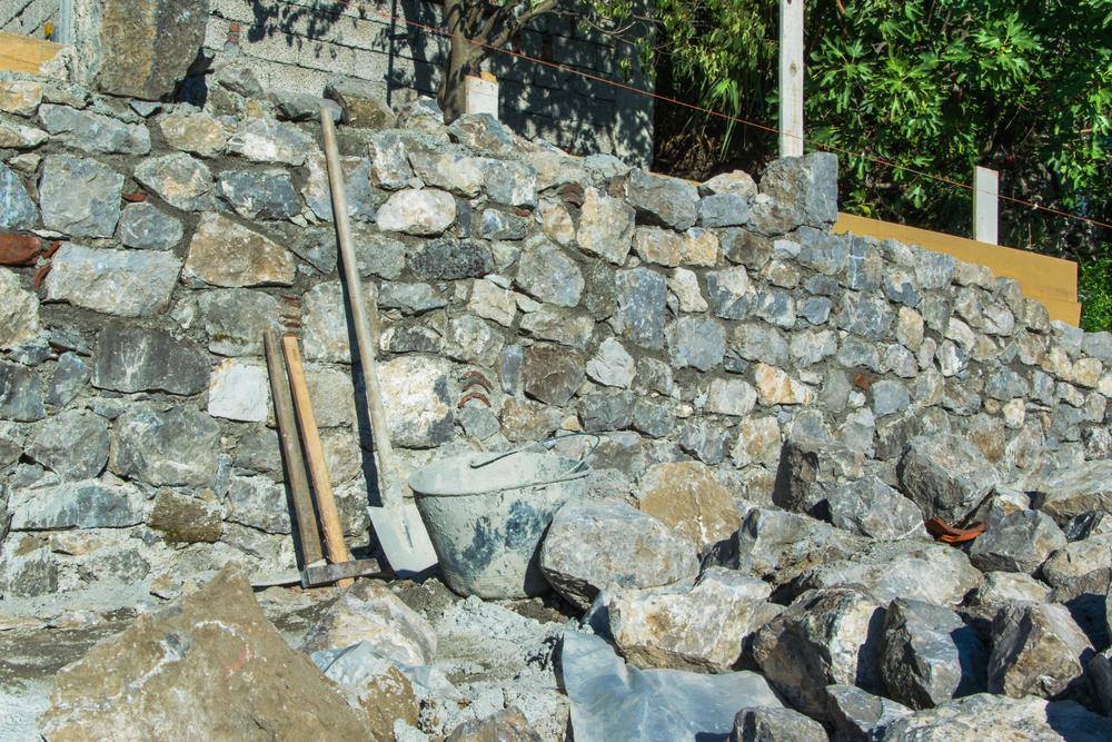 Steinmauer preisbeispiele kostenfaktoren sparm glichkeiten und mehr - Gartenmauer fertigteile ...