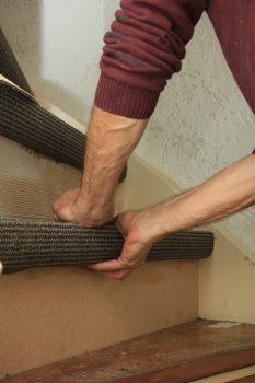 teppich verlegen awesome teppiche linoleum auf teppich verlegen lovely bodenleger linoleum. Black Bedroom Furniture Sets. Home Design Ideas