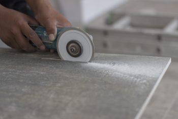 Terrassenplatten Verlegen Kosten Sparmöglichkeiten Und Mehr - Fliesen auf stelzen verlegen