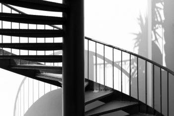 Treppenhaus nach außen verlegen  Treppenhaus » Kosten, Preisfaktoren, Sparmöglichkeiten und mehr
