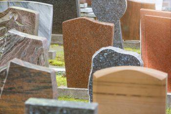 Häufig Grabplatte » Kostenfaktoren, Preisbeispiele und mehr EM87