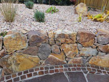 Häufig Natursteinmauer » Kostenfaktoren, Preisbeispiele und mehr UV52