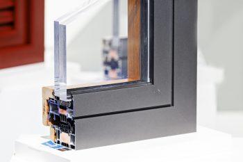 sicherheitsfenster preise kostenfaktoren und mehr. Black Bedroom Furniture Sets. Home Design Ideas