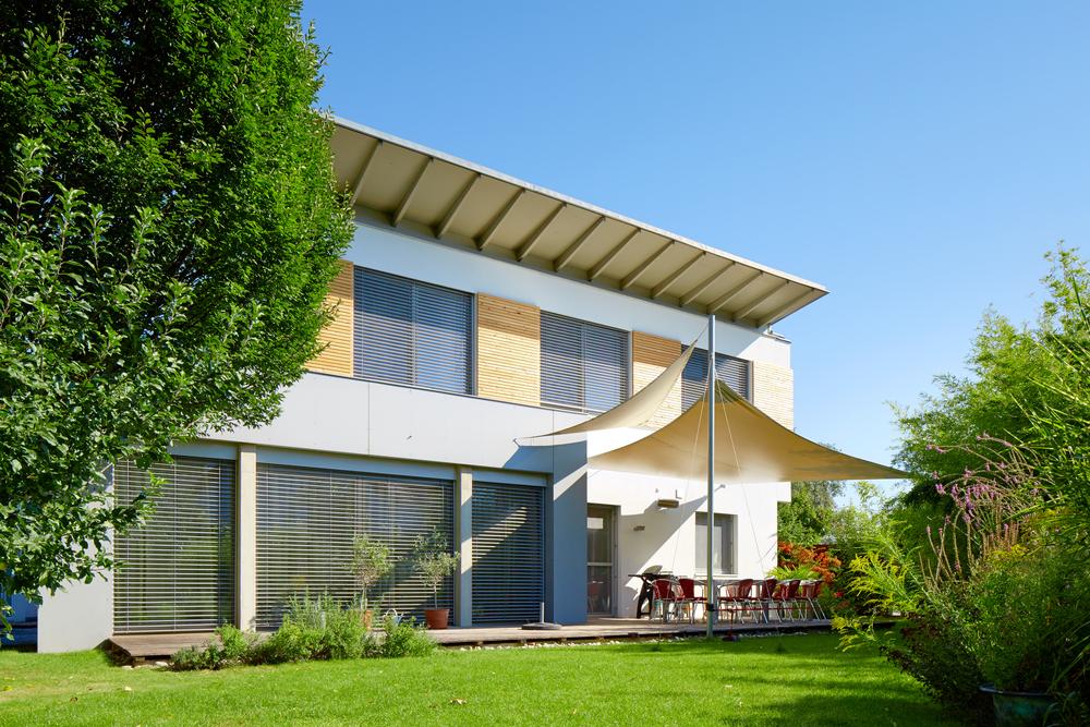 Pultdach – mit diesen Kosten müssen Sie bei der Dachform rechnen