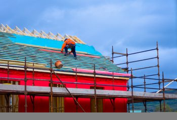 Haus bauen » Kostenfaktoren, Preisbeispiele, Spartipps und mehr
