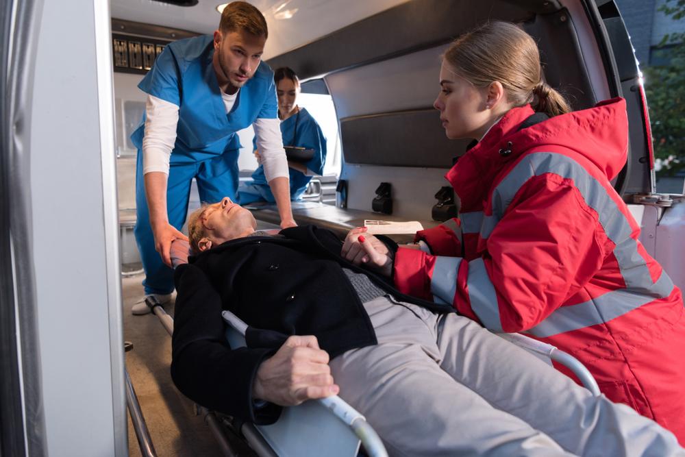 Berufliche Weiterbildung: Was kostet die Ausbildung zum Rettungssanitäter?