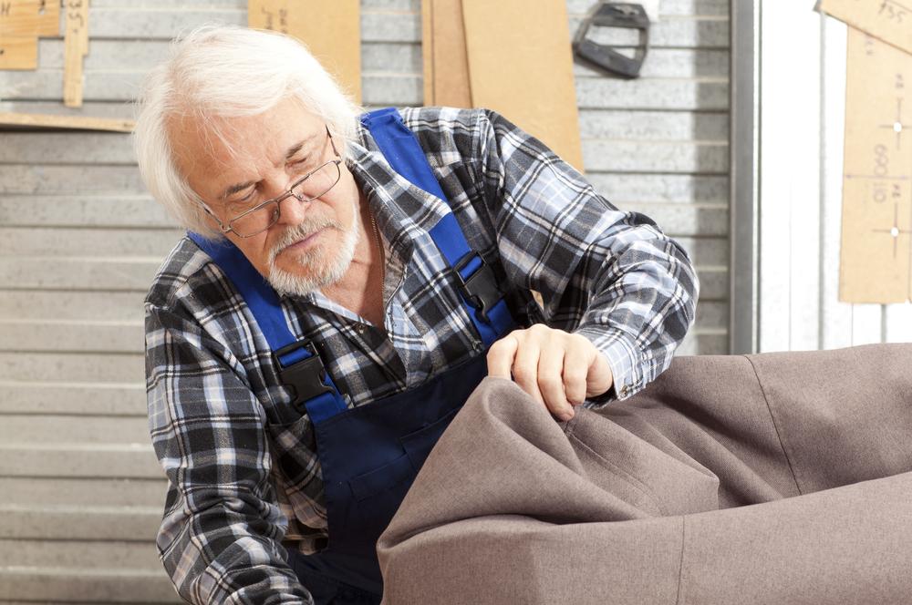 sofa neu beziehen lassen welche kosten sind zu erwarten. Black Bedroom Furniture Sets. Home Design Ideas