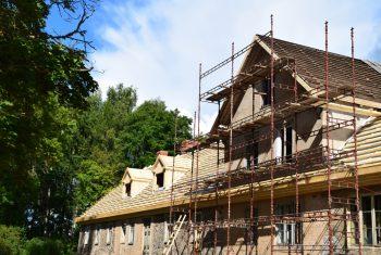 Haus sanieren » Kostenfaktoren, Preisbeispiele und mehr