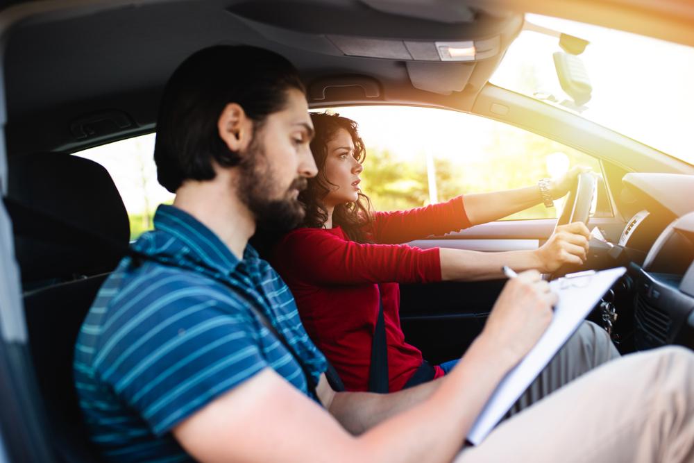 Berufswunsch Fahrlehrer: Was kostet die Ausbildung?