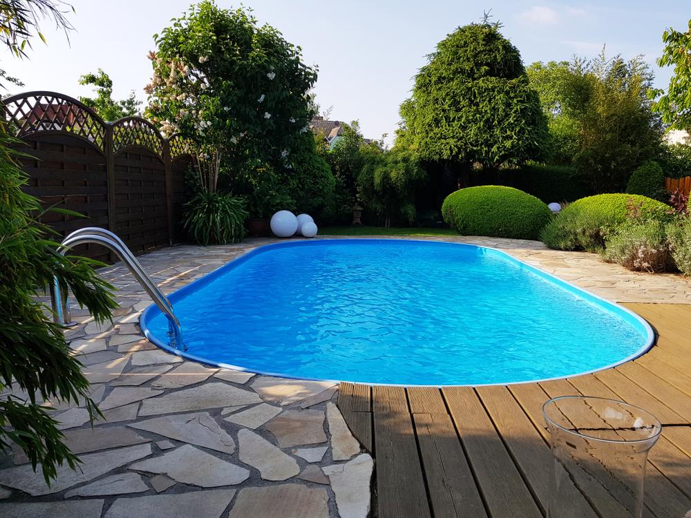 pool bauen kostenfaktoren preisbeispiele spartipps und