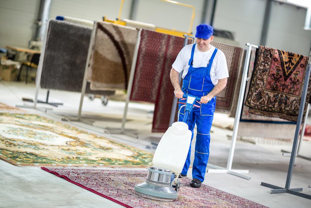 Teppichreinigung: welche Kosten sind zu erwarten?