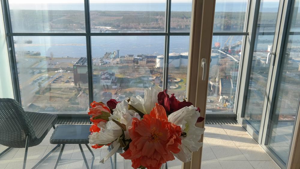 Balkonverglasung: welche Kosten muss man in der Praxis rechnen?