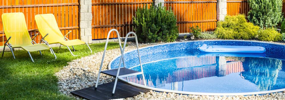 Im Garten ein Pool – welche Kosten verursacht das?