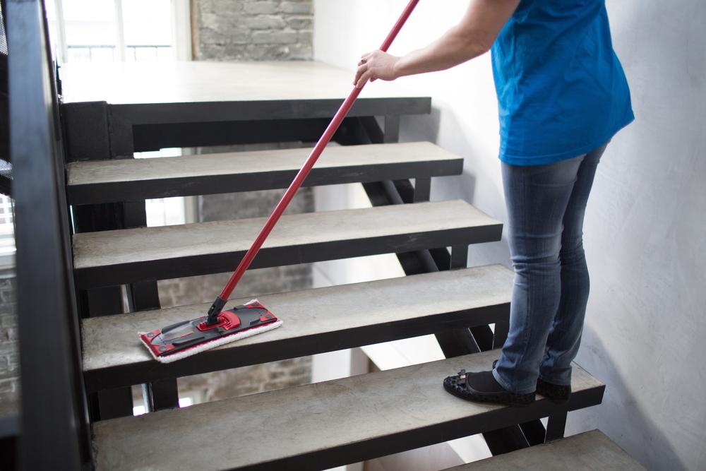 Treppenhausreinigung – welche Kosten fallen an?