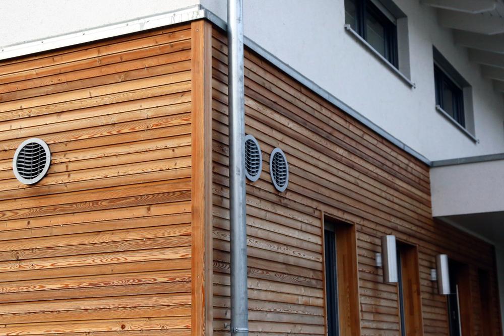 Holzfassade: Welche Kosten muss man rechnen?