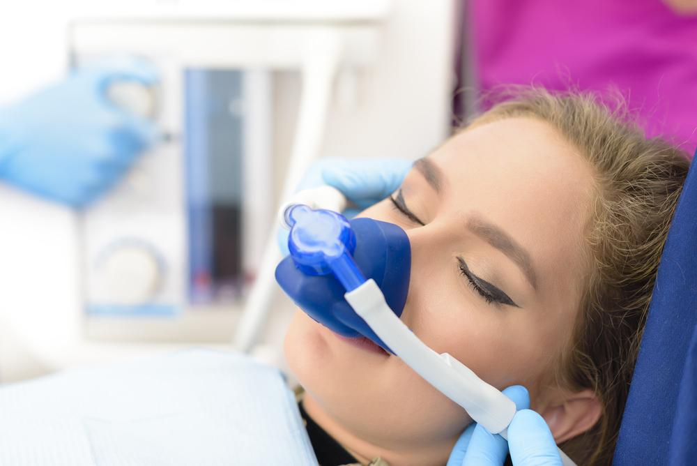 Was kostet die Behandlung mit Lachgas beim Zahnarzt?