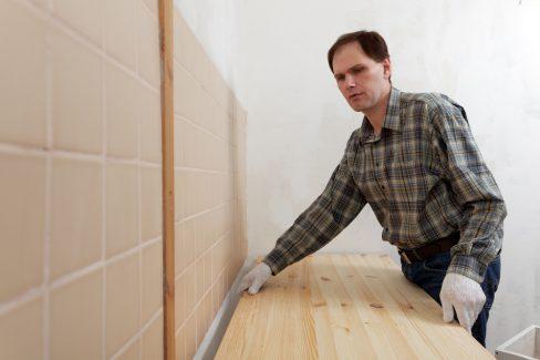 arbeitsplatte-einbauen-lassen-kosten