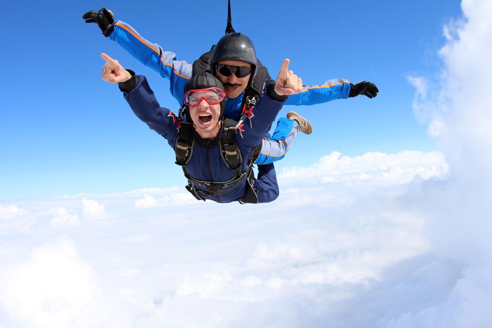 Was kostet ein Fallschirmsprung beziehungsweise der Sprungschein?