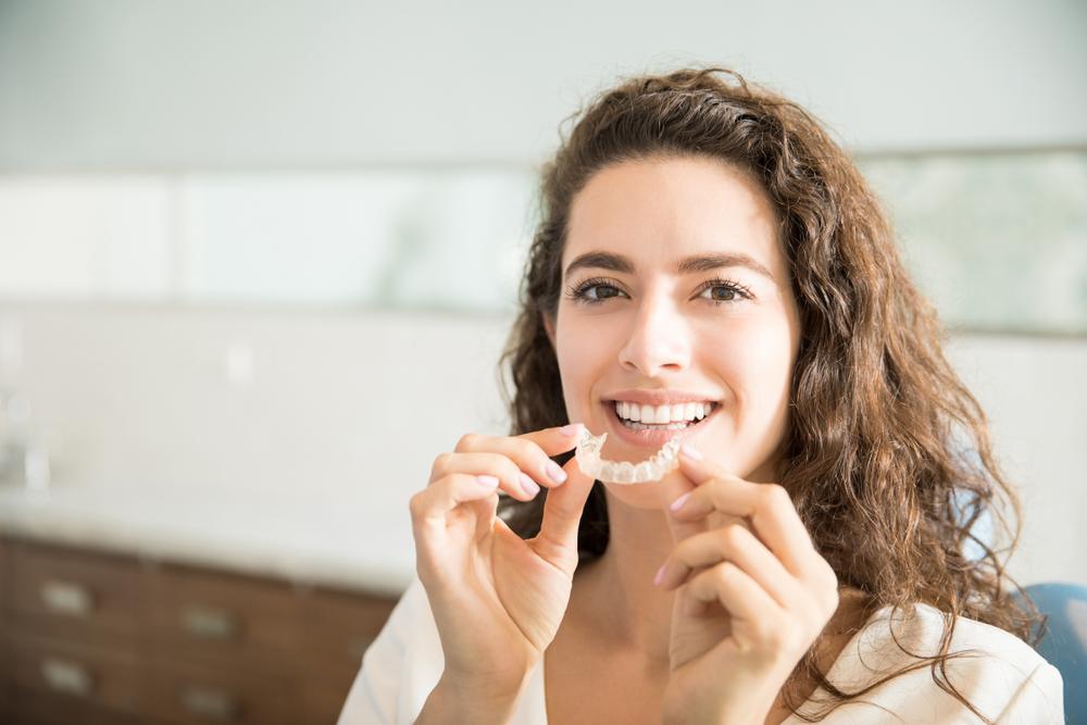 Was kostet die Sicherungsphase der Zähne durch einen Retainer?