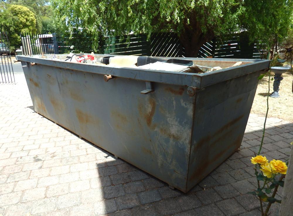 Container für gemischten Müll: Welche Kosten muss man rechnen?