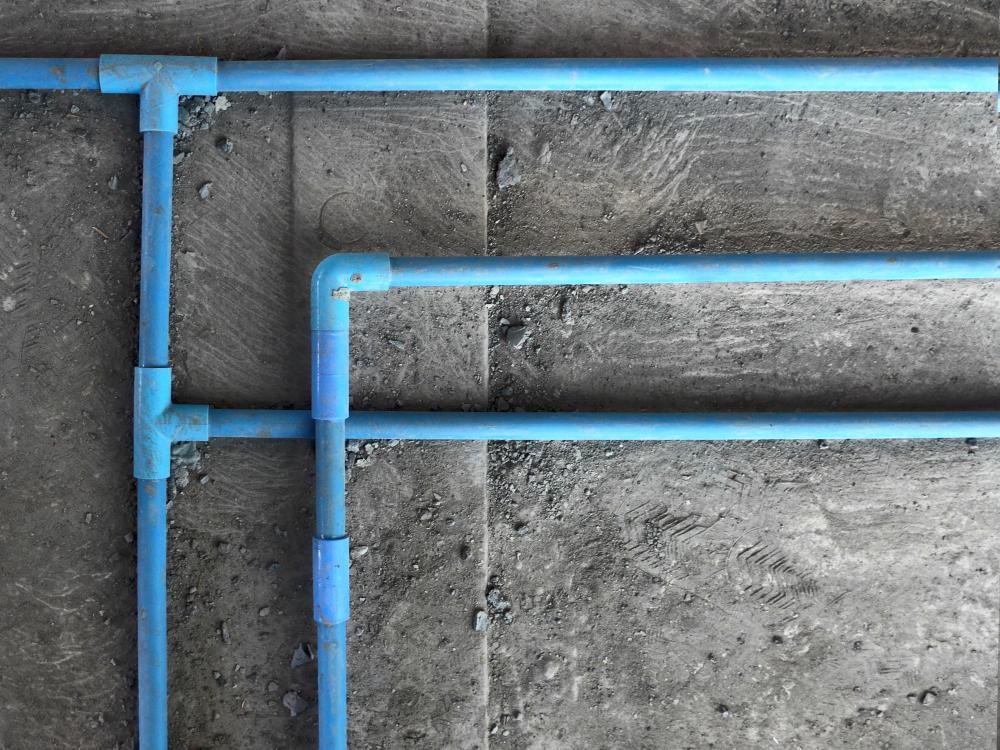 Wasserleitungen erneuern: welche Kosten muss man rechnen?