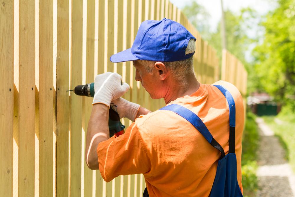 Der neue Zaun: welche Kosten fallen an?