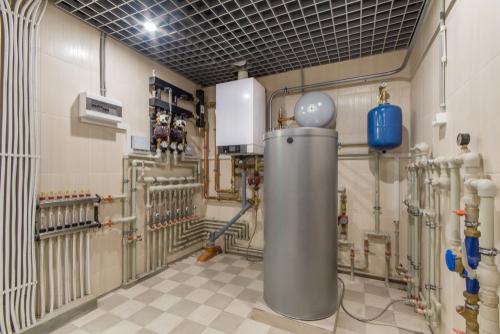 Gasbrennwertheizung mit Warmwasserspeicher: welche Kosten Sie dafür rechnen müssen