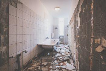 Badezimmer-Umbau » Kostenfaktoren, Preisbeispiele und mehr