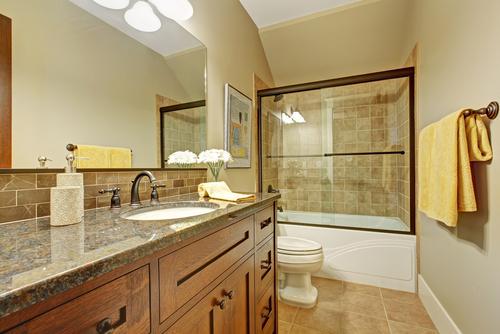 Badewanne statt Dusche einbauen: welche Kosten verursacht das?