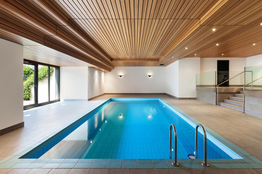 Indoor Pool – welche Kosten muss man rechnen?