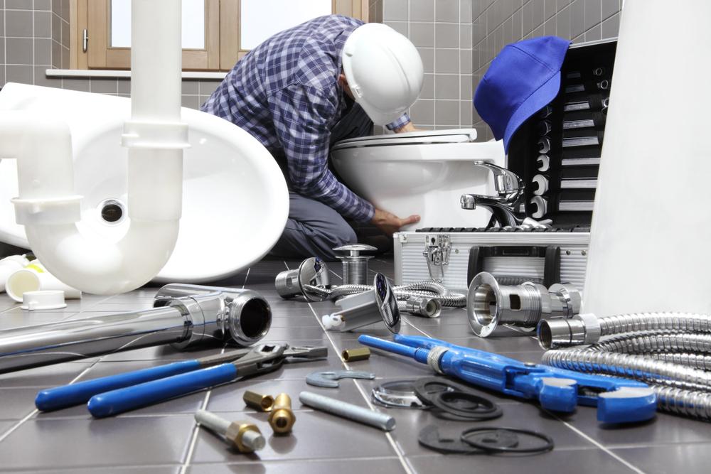 Toilette einbauen: welche Kosten muss man rechnen?