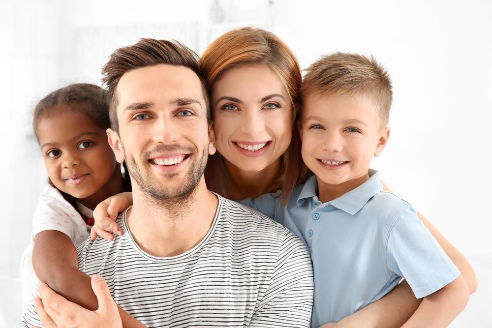 Der Weg zum Wunschkind: Was kostet eine Adoption?