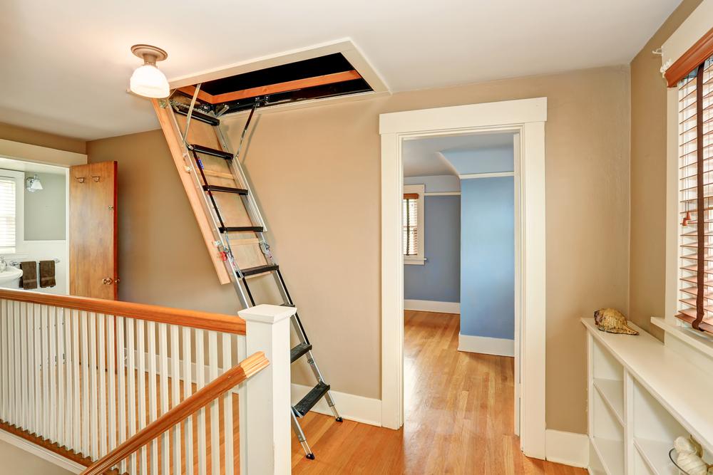 Bodentreppe einbauen lassen: welche Kosten entstehen?