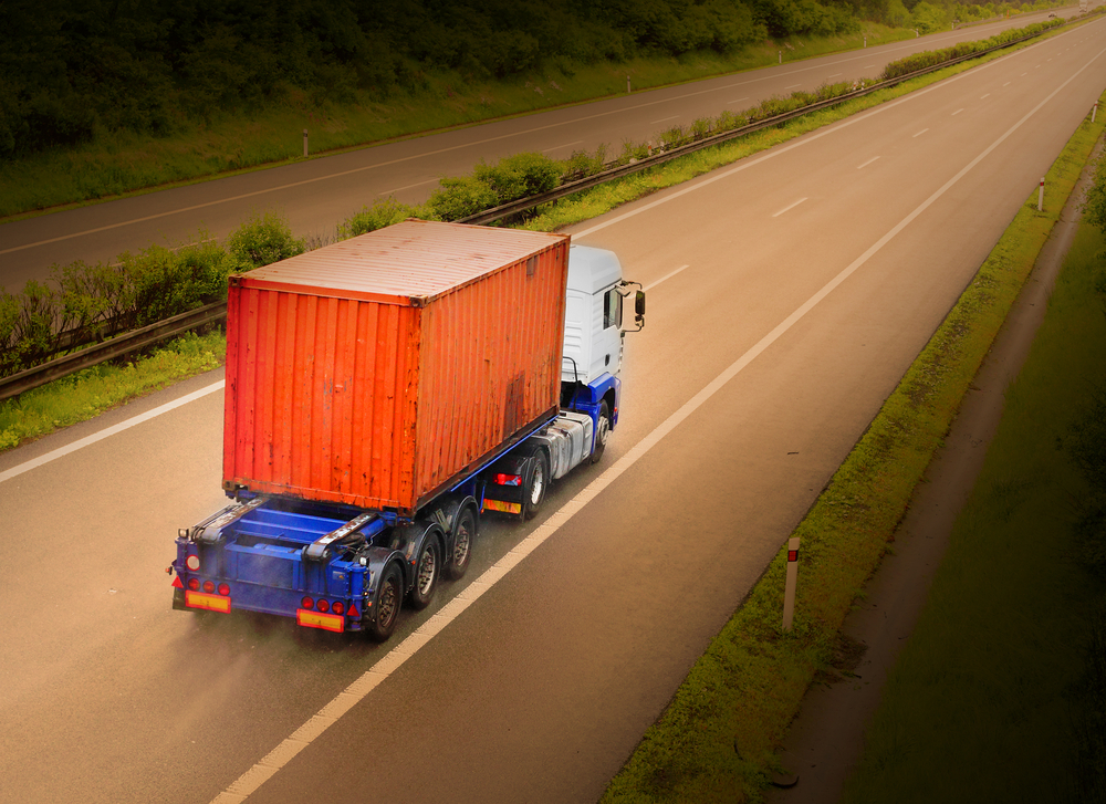 Container-Transport: Welche Kosten fallen an?