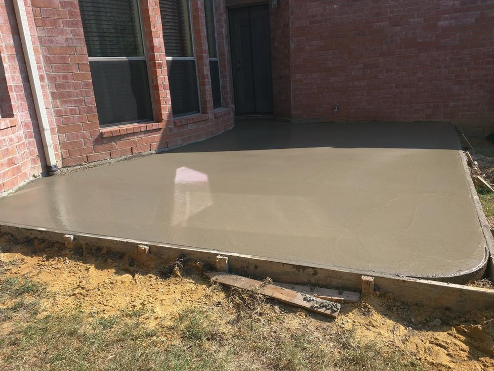 Terrasse betonieren: Welche Kosten muss man rechnen?