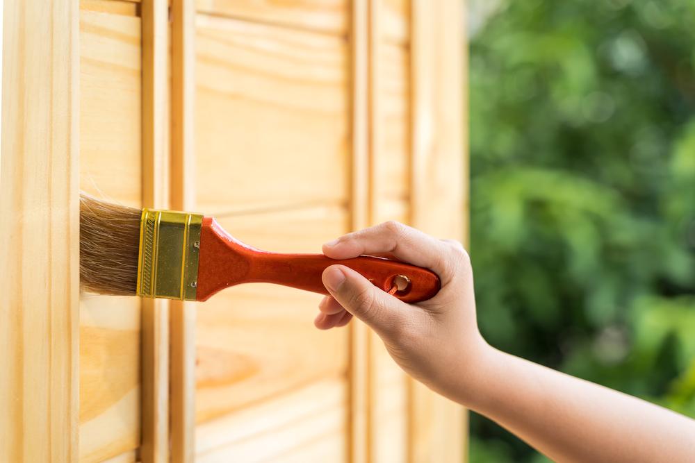 Türen renovieren: Welche Kosten sollte man rechnen?