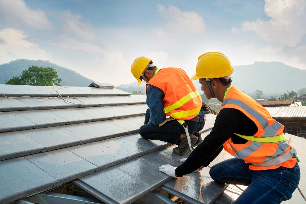 Dach neu decken und dämmen: Welche Kosten muss man rechnen?