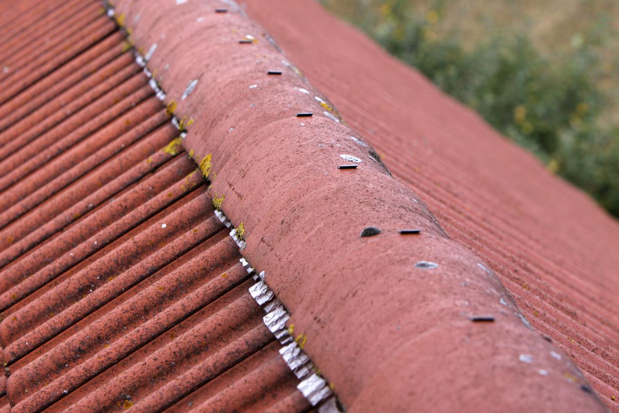 Erneuerung des Dachfirsts: welche Kosten sind zu erwarten?