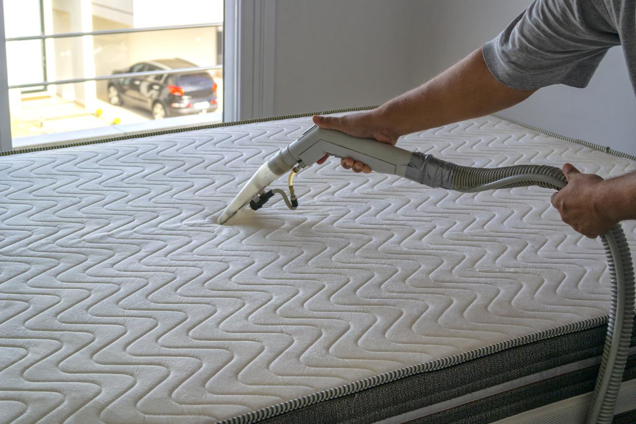 Matratzenbezug reinigen lassen: Welche Kosten sollte man rechnen?